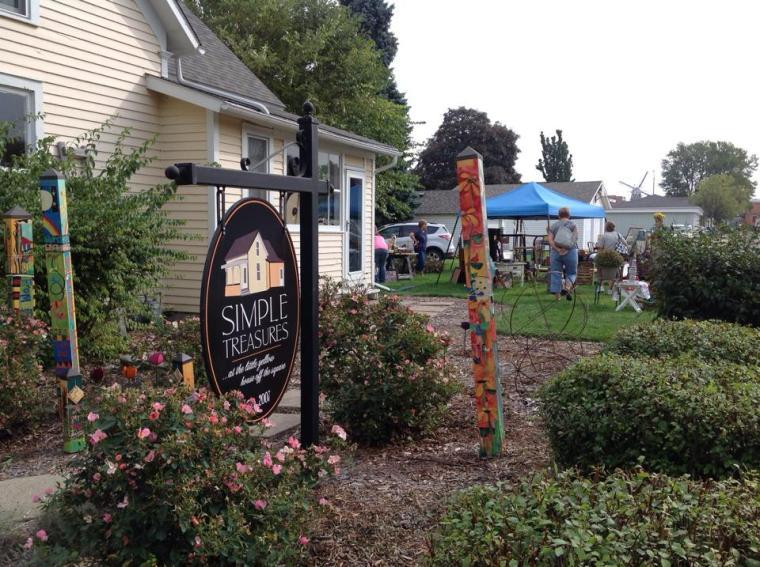 outdoor-with-biz-sign-and-garden-poles