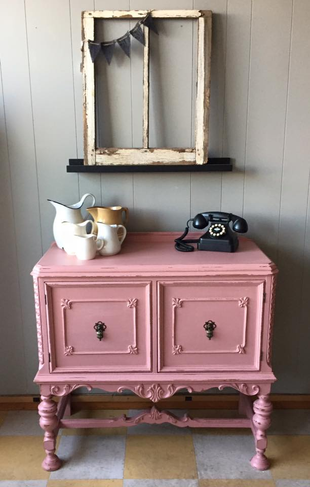 pink-cabinet-with-phone