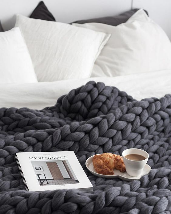 big-knit-comforter-bed-pillows-mug